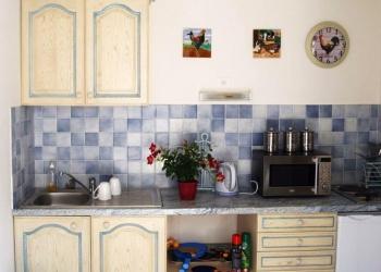 villa-holiday-rental-lot-valley-france-barn-kitchenette