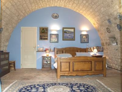 farmhouse rental cahors france bedroom