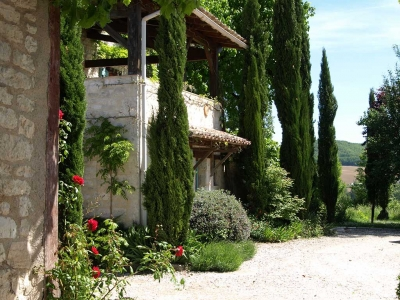 nougayrede-farmhouse-cahors-france