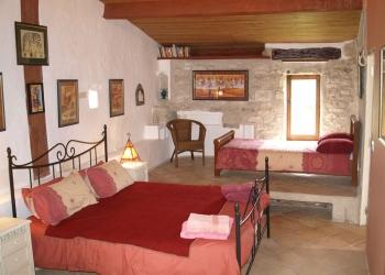 bedroom-suite2-french-villa-lot-valley