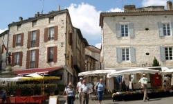 Holiday villa rental near MONTCUQ'S CENTRAL SQUARE